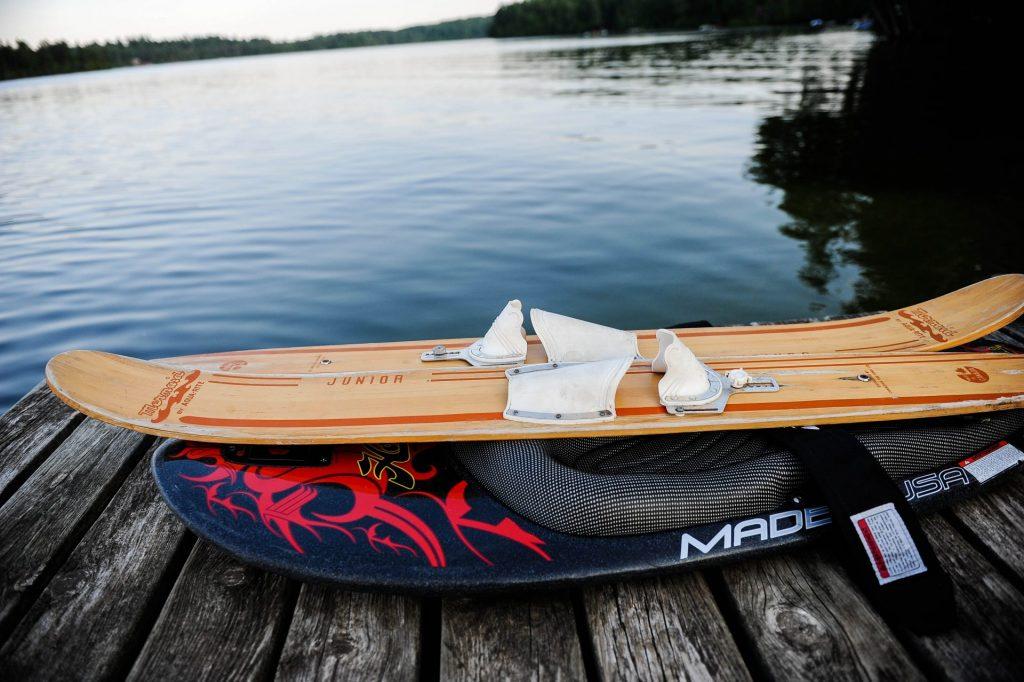 Flex wakeboards