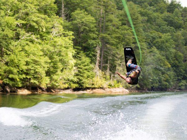 Atterraggi sul wakeboard: 5 esercizi per migliorare il tuo stile!